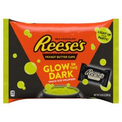Reeses Peanut Butter Cups Glow in the Dark Wrappers 365g.